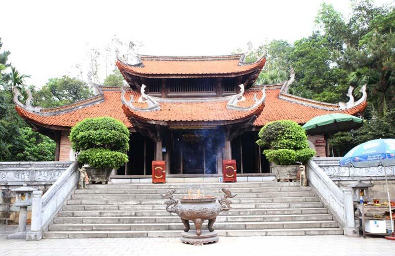 Đền thờ Tổ Mẫu Âu Cơ - Khu di tích lịch sử Đền Hùng