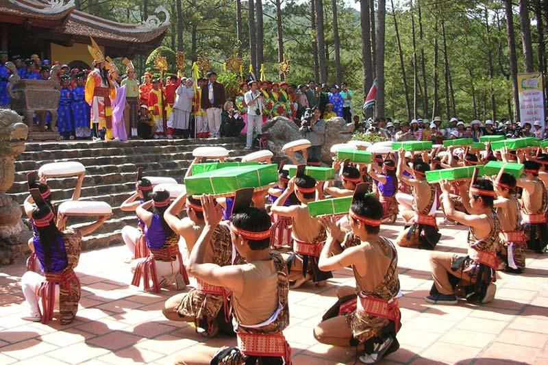 Lễ hội đền Hùng Phú Thọ diễn ra vào ngày nào