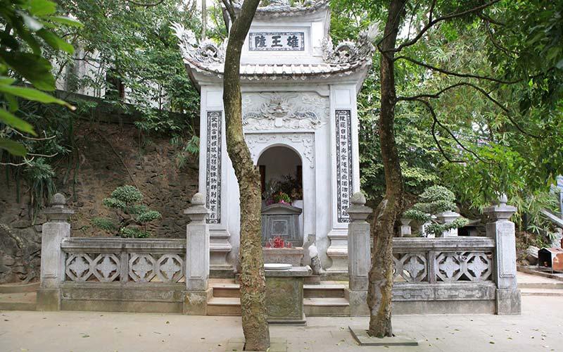 Lăng Hùng Vương - Khu di tích lịch sử Đền Hùng