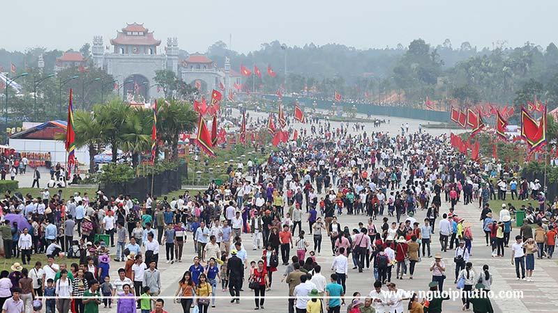 Dịp giỗ tổ hằng năm là lúc thích hợp nhất để đi du lịch đền Hùng