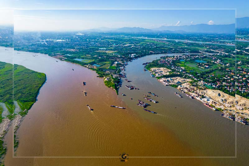 Ngã 3 sông Hồng tại Bạch Hạc, thành phố Việt Trì