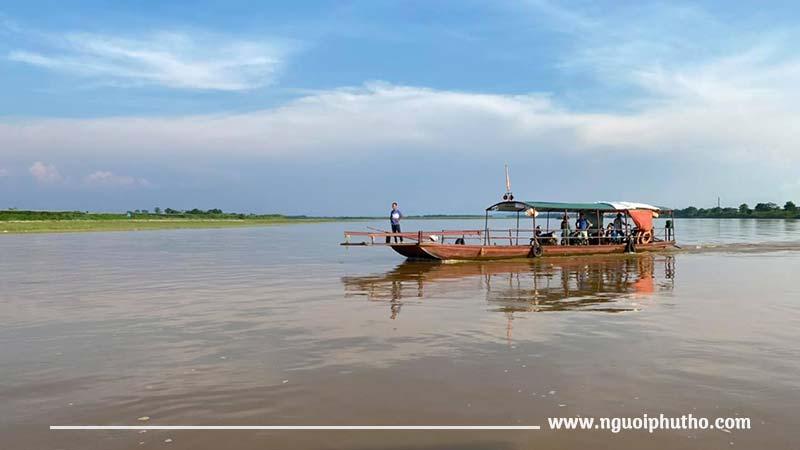 Sông Thao đoạn chảy qua huyện Cẩm Khê - thị xã Phú Thọ
